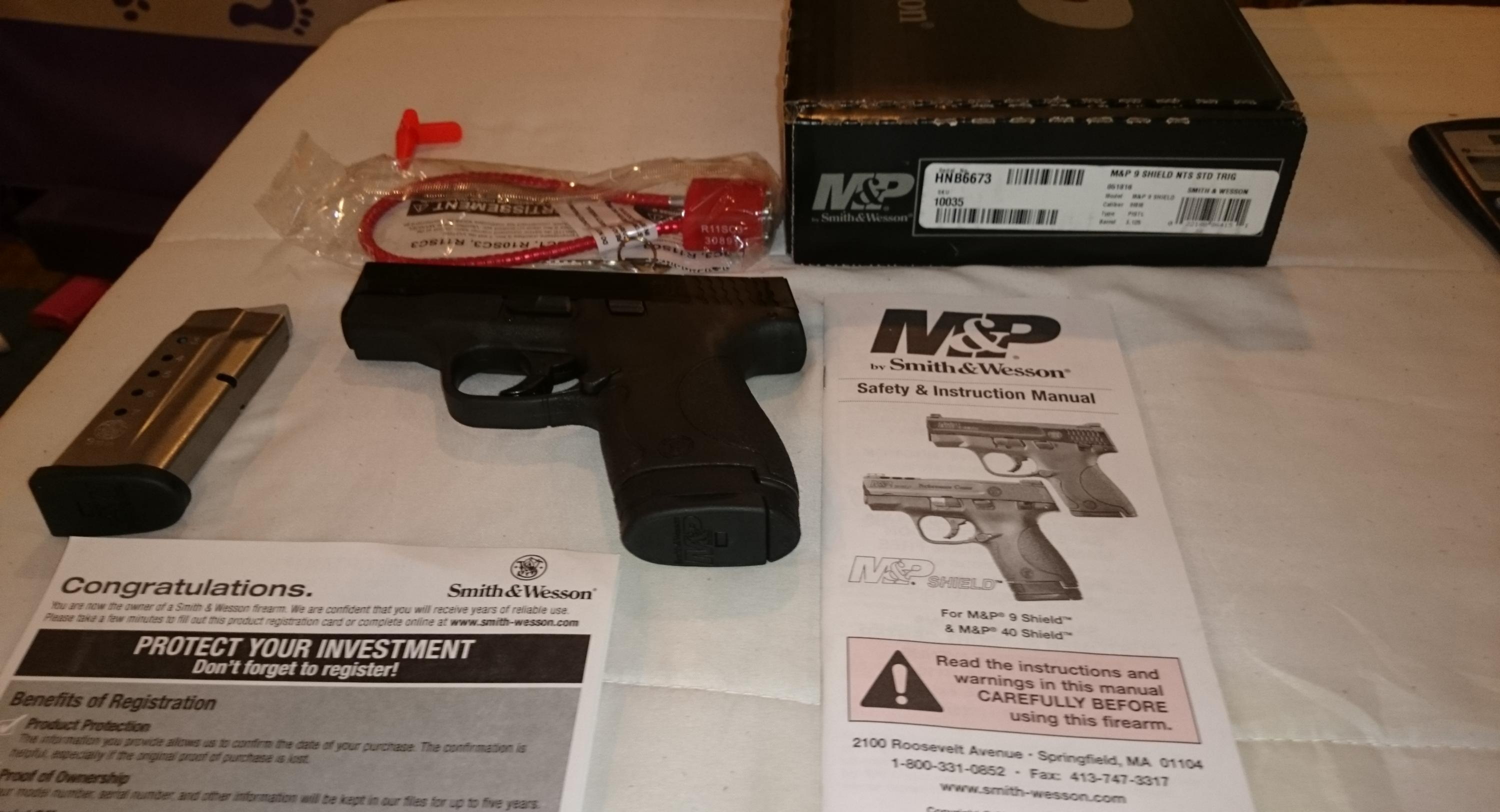 Smith +Wesson M+P 9mm shield
